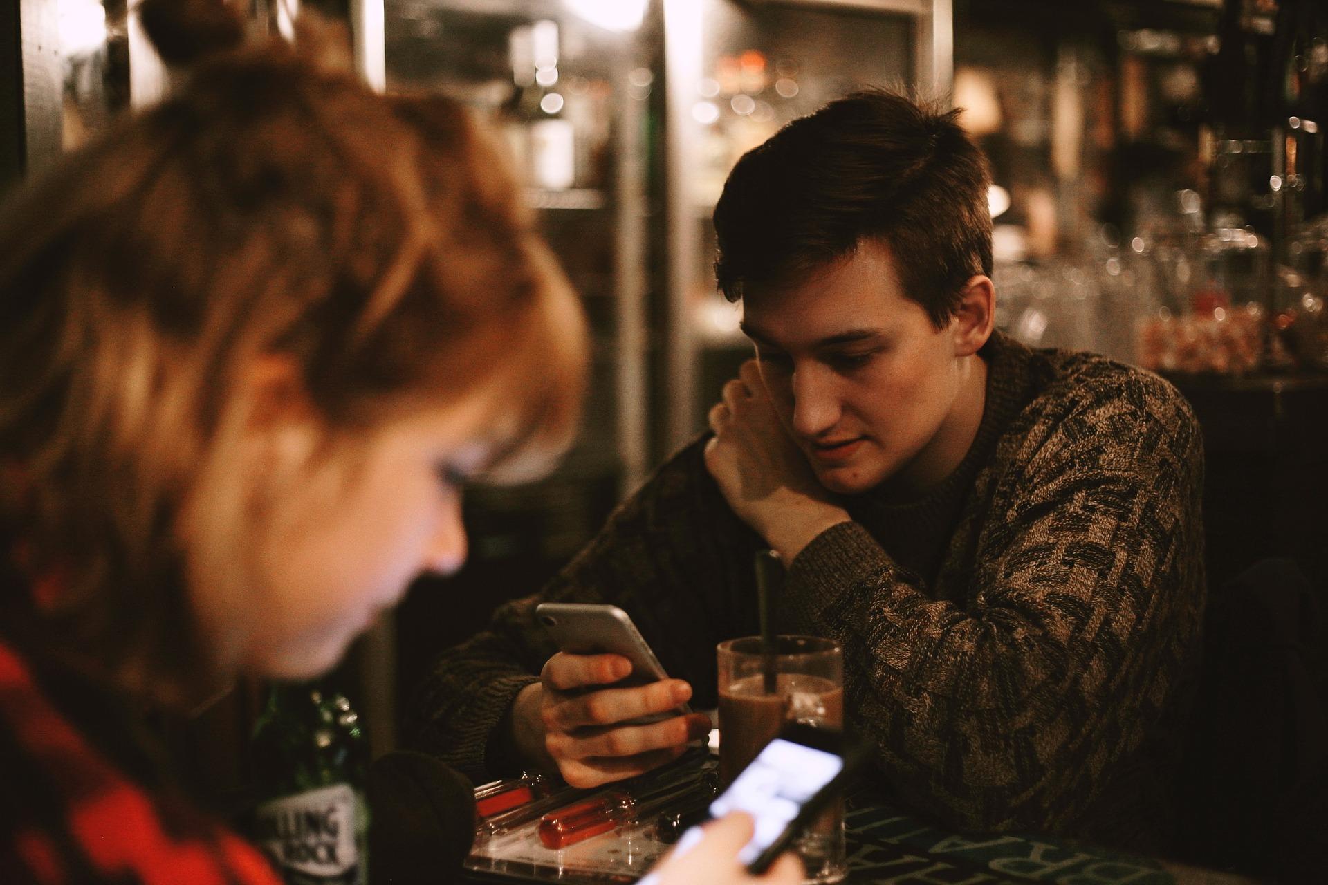 Comment fonctionne la voyance par SMS ?