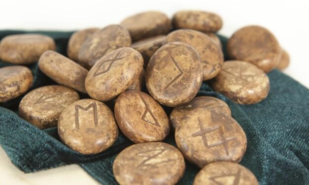 Les runes et l'astrologie